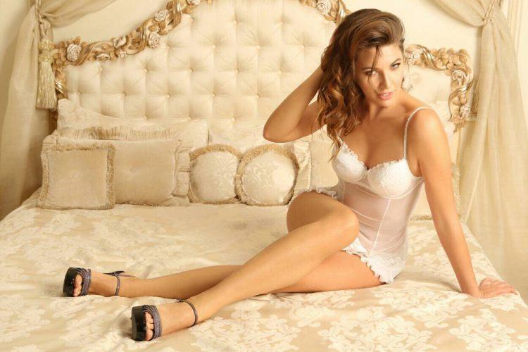 ITALIAN ESCORT CALL GIRL ATHENS ANNA MARIA-3